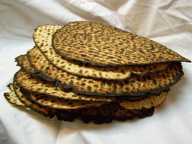 XXIII Motsi-Matsa -Lois concernant la consommation de Matsa le soir de Pessa'h - Torath Hamoadim