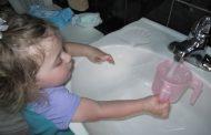 Se laver les mains avant le repas 7 Parler lors de Netilat Yadaim, permis ? Yalkout Yossef Ch. 158 §11-12 - Yéhouda Berros