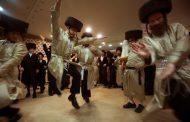 A t'on le droit de danser même sans musiques pendant les 3 semaines ?  Rav Yoël Hattab