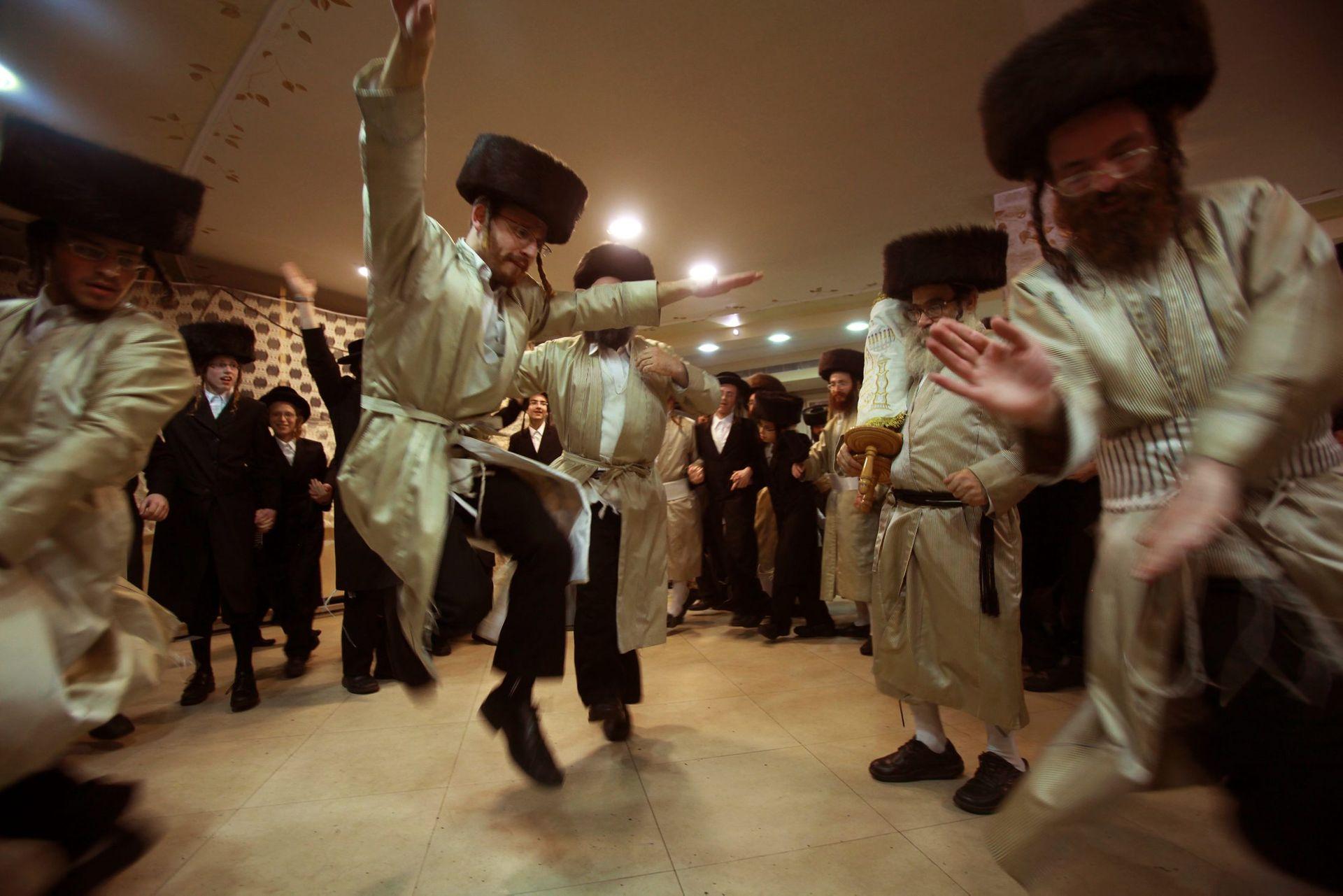 XX Les Hakafot pendant Sim'hat Torah - Torat Hamoadim