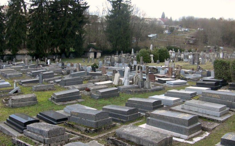 Montée au cimetière le jour du 9 Av - Rav Haïm Ishay