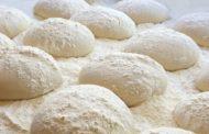 Une 'Hala prélevée qui se mélange à la pâte - Rav David Pitoun