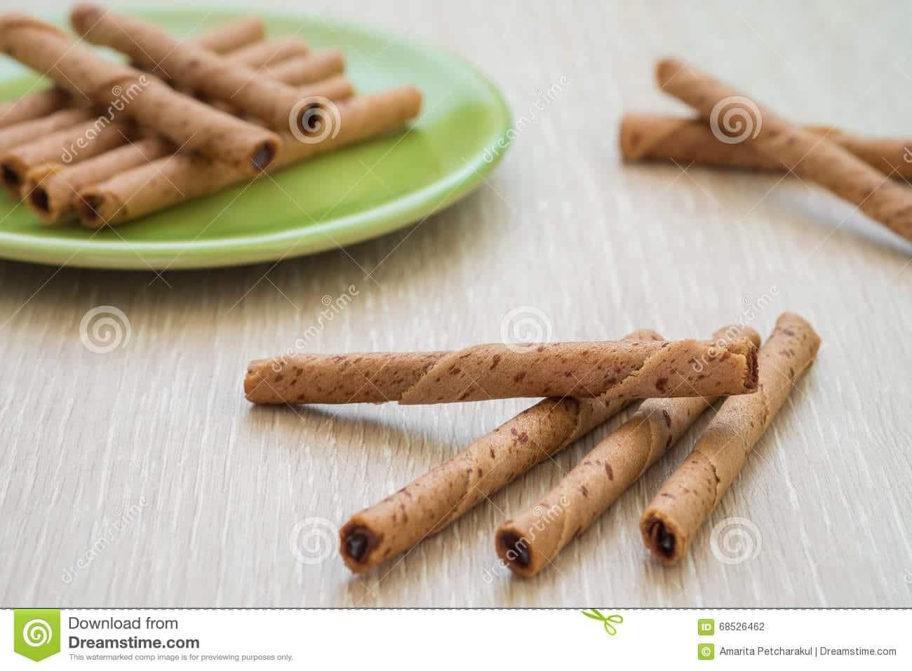 Doit-on faire Mezonot sur des rouleau de gaufrettes durant un repas à base de pain ? Rav Yoël Hattab