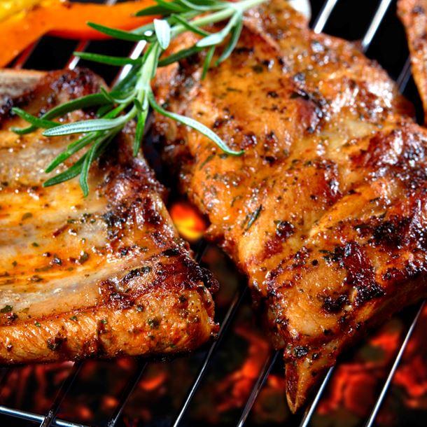 Se laver les mains lorsqu'on trempe un aliment. 9.Viande ou poulet - Grillade et  Beignet frit à l'huile. Yalkout Yossef Ch. 158 (seconde partie) §10-11 - Yéhouda Berros