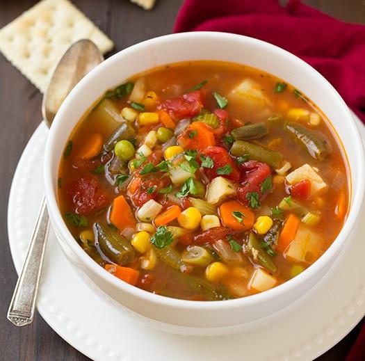 Se laver les mains pour desLégumes dans une soupe. Yalkout Yossef Ch. 158 §12